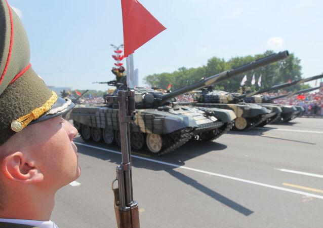 Parada z okazji Dnia Niepodległości w Mińsku