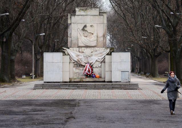 Pomnik wdzięczności Armii Czerwonej w Warszawie