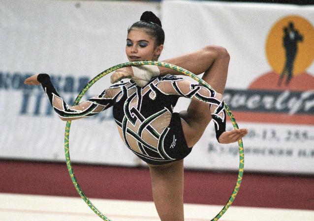 Mistrzni olimpijska w gimnastyce artystycznej Alina Kabajewa