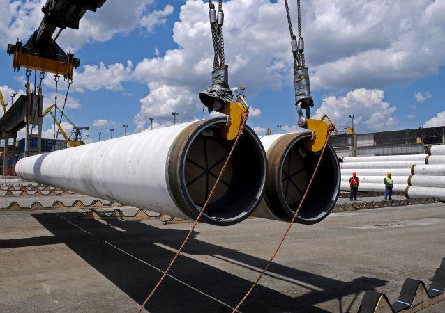 Dostawa rurociągów do miejsca przekładania gazociągu Turecki Strumień