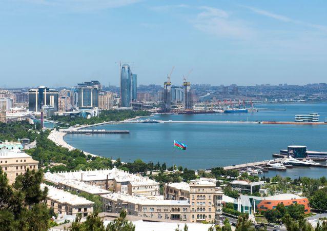 Panorama miasta Baku i Zatoki Bakijskiej na Morzu Kaspijskim