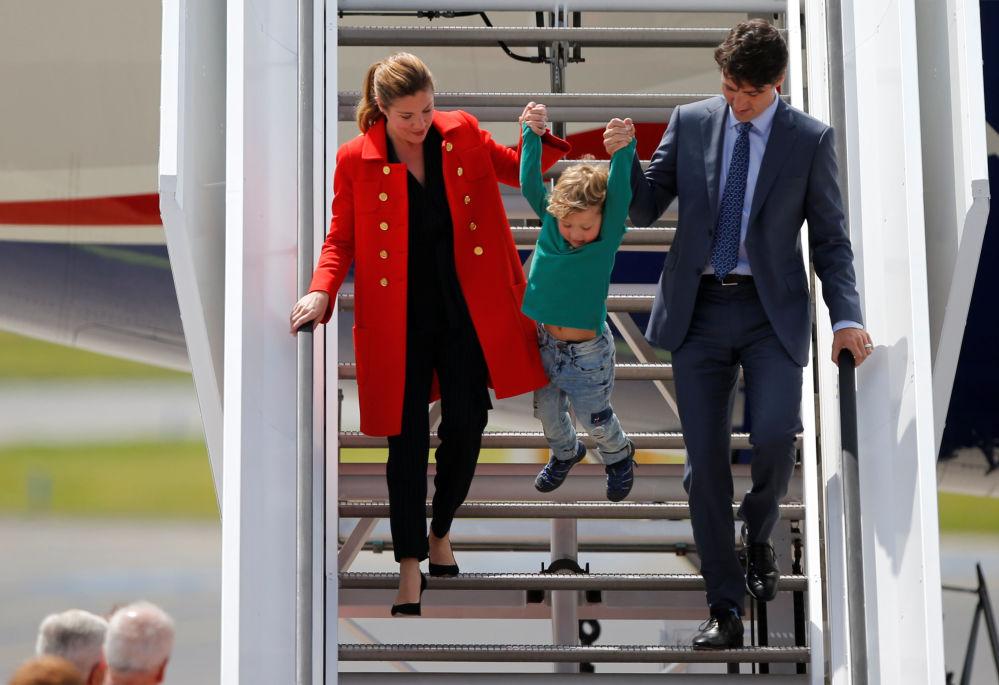 Premier Kanady Justin Trudeau z żoną i synem
