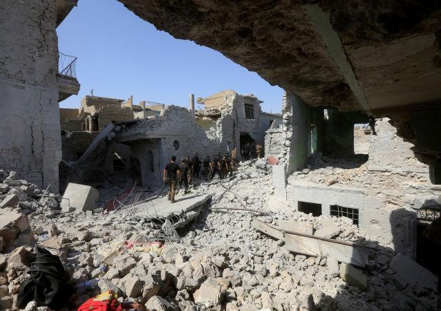 Iracka jednostka do zwalczania terroryzmu i wojska irackie w obrębie Starego Miasta Mosul