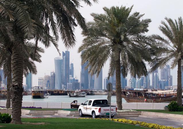 Nabrzeże Corniche w stolicy Kataru Dosze