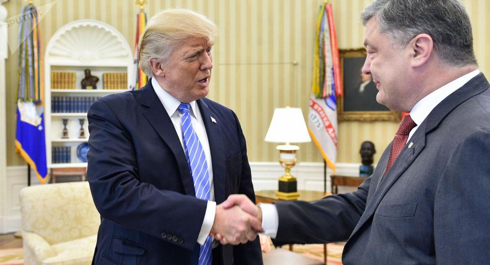 Prezydent USA Donald Trump i prezydent Ukrainy Petro Poroszenko