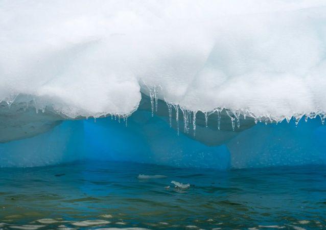 Topnienie lodu na Antarktyce