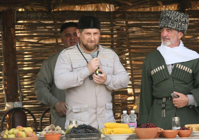 Przywódca Republiki Czeczeńskiej Ramzan Kadyrow na otwarciu muzeum etnograficznego w Czeczenii