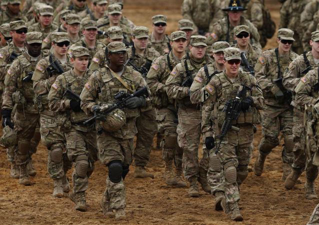 Amerykańscy żołnierze podczas ćwiczeń an Litwie