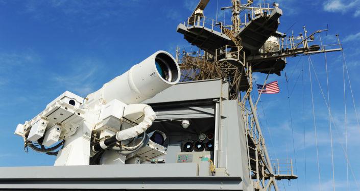 Działo laserowe zamontowane na pokładzie amerykańskiego okrętu USS Ponce