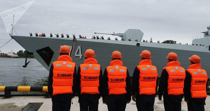 Uroczysta ceremonia powitalna grupy okrętów chińskiej marynarki wojennej w porcie Bałtyjsk