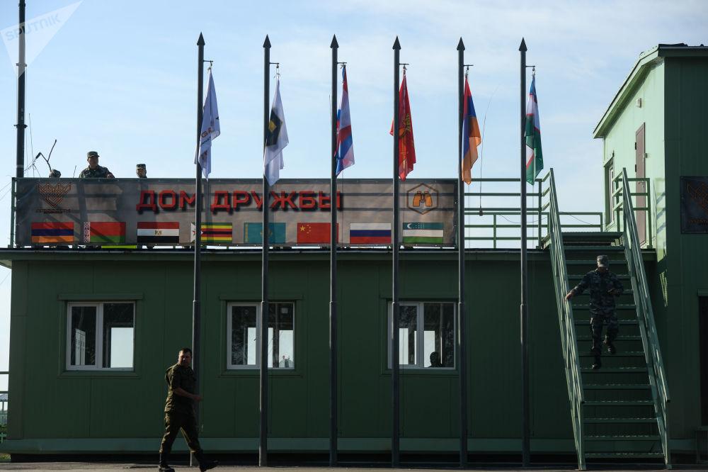 Stanowisko dowodzenia w kompleksie treningowym Nowosybirskiej Wyższej Szkoły Dowodzenia Wojskowego