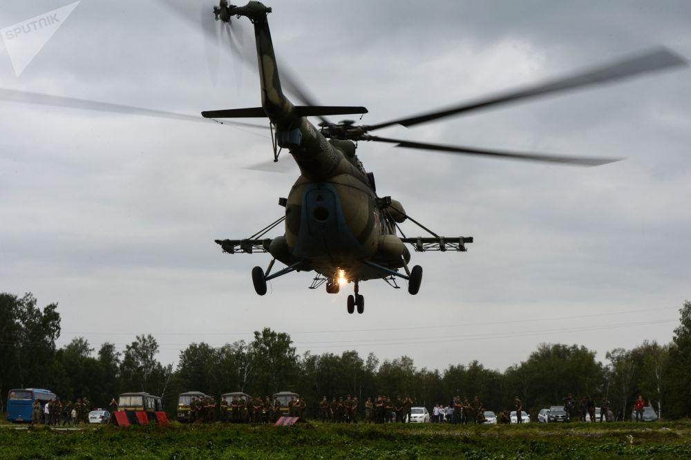 Helikopter Mi-8 podczas konkursu Najlepszy zwiadowca w ramach międzynarodowych gier wojskowa 2017