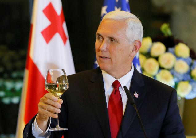 Wiceprezydent USA Michael Pence podczas wizyty w Gruzji