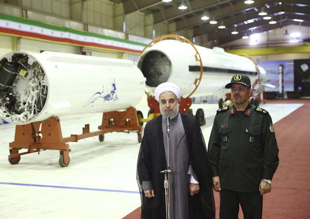 Prezydent Iranu Hassan Rouhani i minister obrony Hossein Dehghan