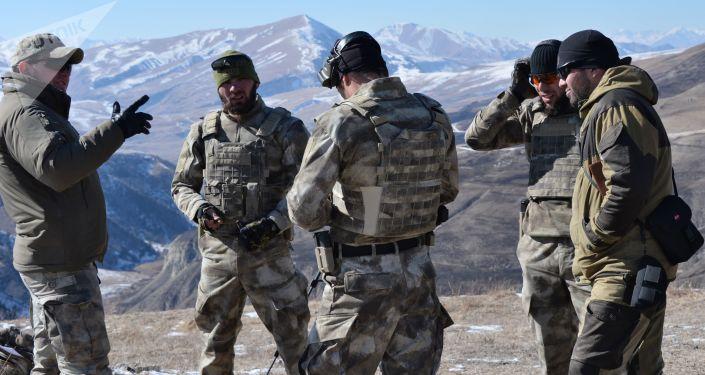 Żołnierze czeczeńskiej elitarnej jednostki specjalnej