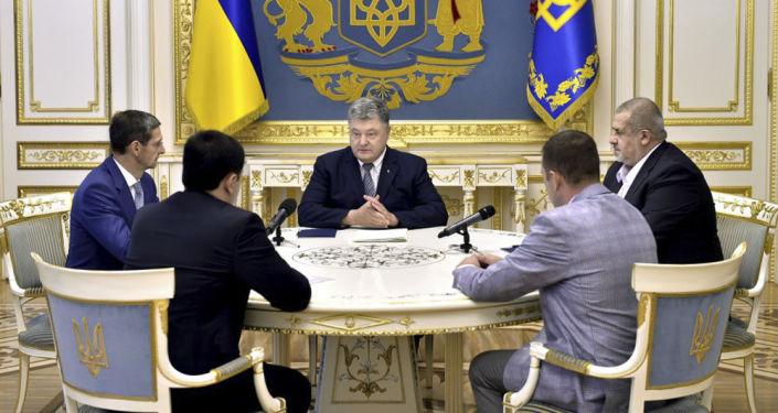 Prezydent Ukrainy Petro Poroszenko na spotkaniu po mianowaniu Borysa Babina na stałego przedstawiciela Ukrainy na Krymie