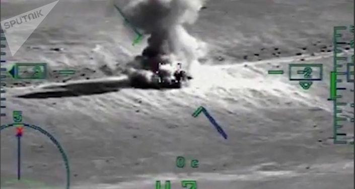Likwidacja obiektów terrorystów przez śmigłowiec Ka-52 Aligator rosyjskich Sił Powietrzno-Kosmicznych w syryjskiej prowincji Dajr az-Zaur