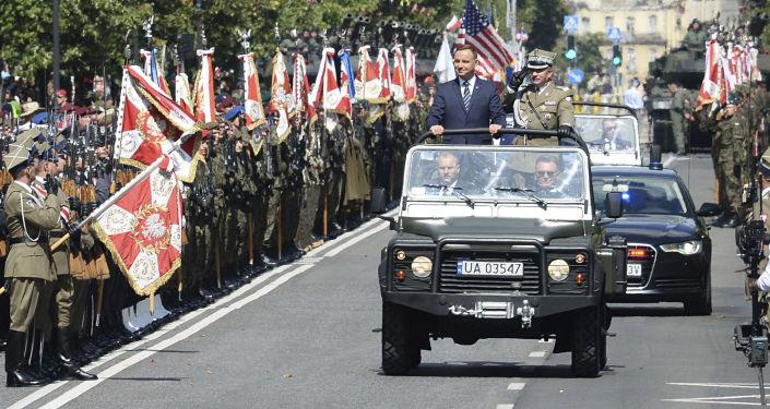 Parada z okazji Święta Wojska Polskiego. Warszawa