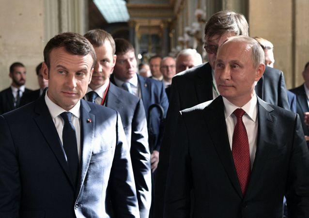 Spotkanie prezydentów Rosji i Francji w Wersalu