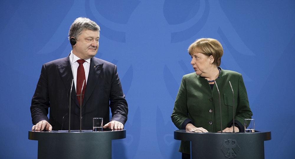 Prezydent Ukrainy Petro Poroszenko i kanclerz Niemiec Angela Merkel