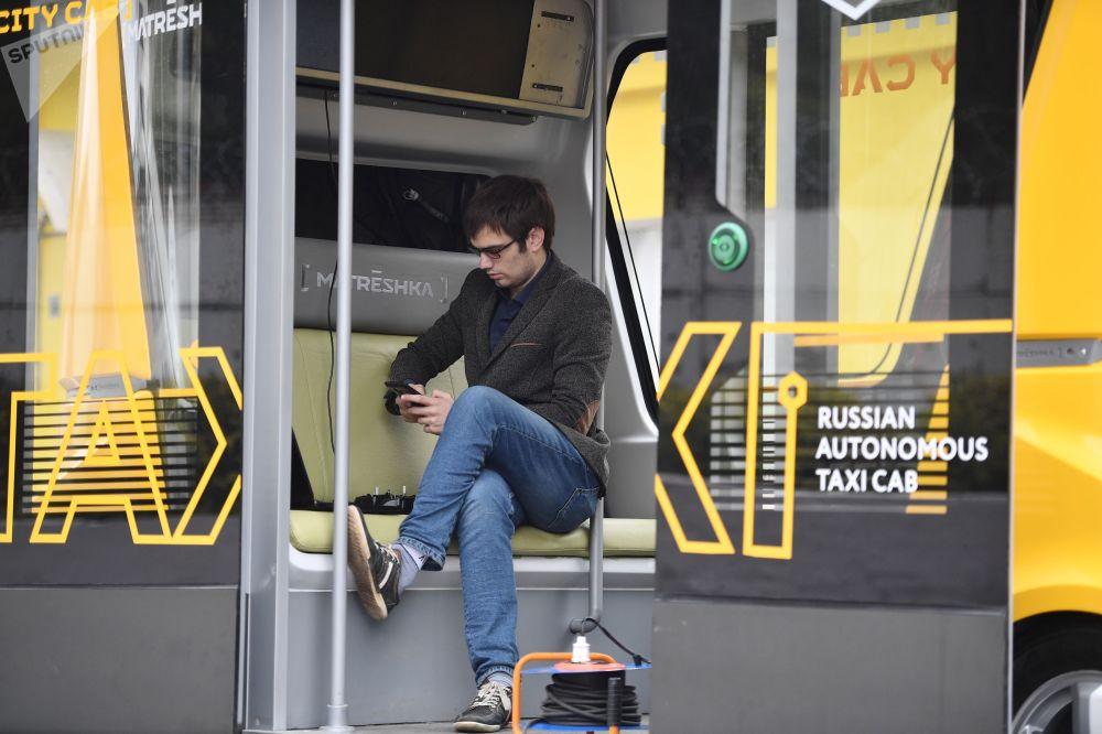 Testy pierwszego bezzałogowego autobusu pasażerskiego w Rosji