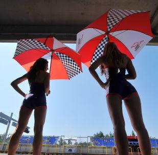 Hostessy podczas Grand Prix w Czechach