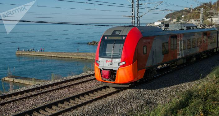 Pociąg pospieszny Jaskółka w Soczi