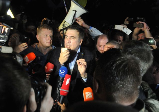 Były prezydent Gruzji, były gubernator obwodu odesskiego Michaił Saakaszwili na przejściu granicznym Szeginie
