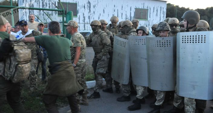 Punkt kontrolny na granicy ukraińsko-polskiej, gdzie ma zamiar przekroczyć granicę były prezydent Gruzji Michaił Saakaszwili