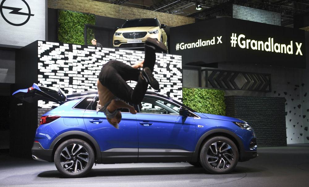 Opel Grandland X na Międzynarodowym Salonie Motoryzacyjnym we Frankfurcie