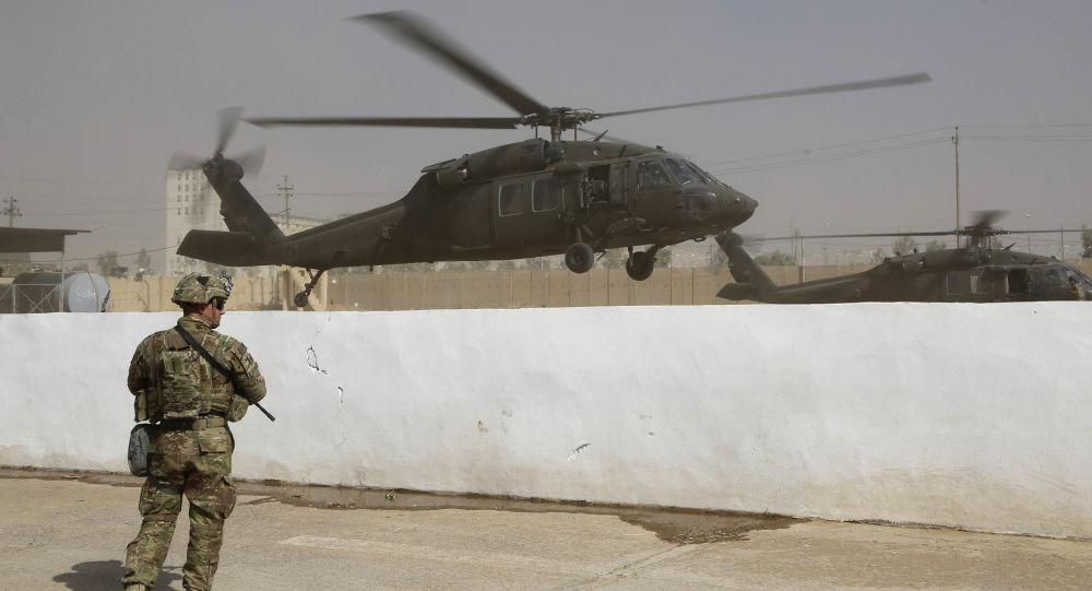 Śmigłowiec sił koalicji w Iraku