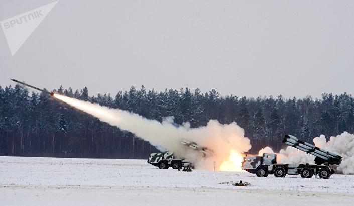"""System artylerii rakietowej BM-30 """"Smiercz"""""""