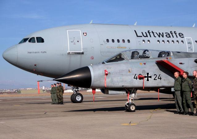Niemieccy piloci w tureckiej bazie wojskowej Incirlik