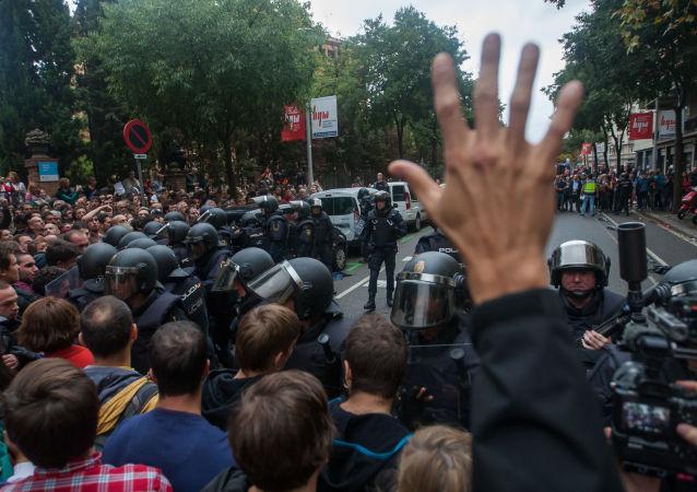 Uczestnicy starć podczas referendum w sprawie niepodległości Katalonii
