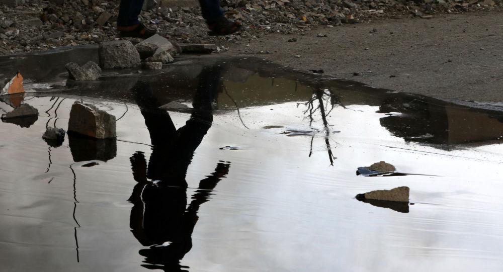 Szyby naftowe podpalone przez PI podczas wycofywania się z Qayary w Iraku