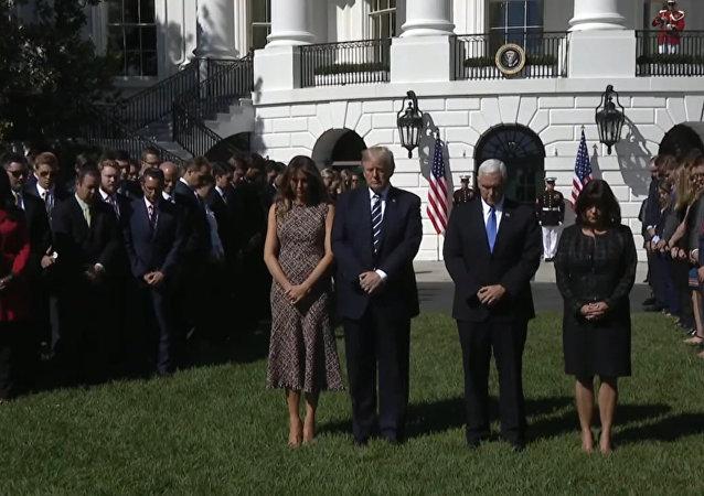 Donald Trump i jego żona Melania uczcili minutą ciszy pamięć ofiar strzelaniny w Las Vegas