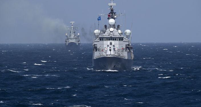 Okręty NATO podczas ćwiczeń na Morzu Czarnym