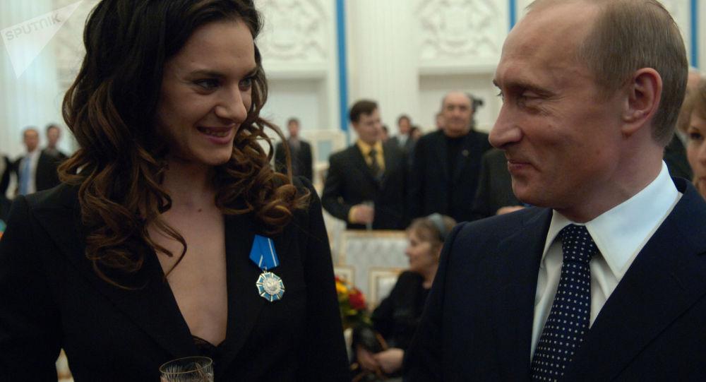 Władimir Putin i Jelena Isibnajewa