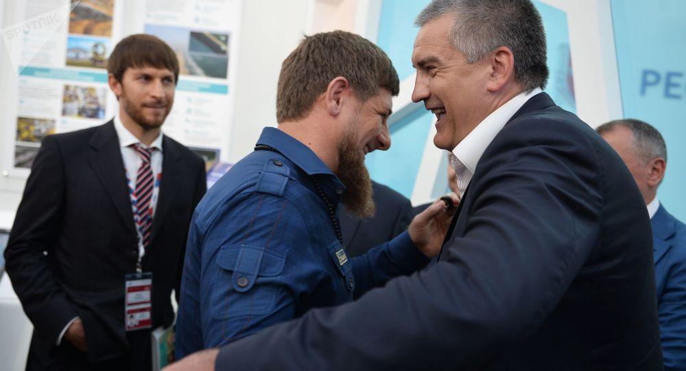 """Szef Republiki Czeczenii Ramzan Kadyrow i szef Republiki Krym Siergiej Aksionow na międzynarodowym forum inwestycyjnym """"Soczi 2016"""""""