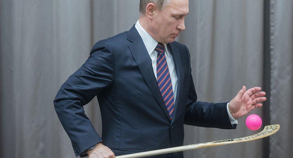 Władimir Putin na spotkaniu z reprezentacją Rosji w hokeju
