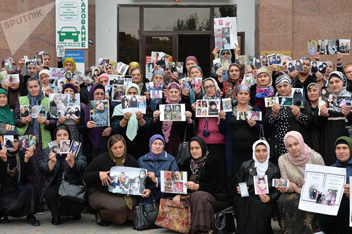 Kobiety z Czeczenii szukają zaginionych dzieci i wnuków