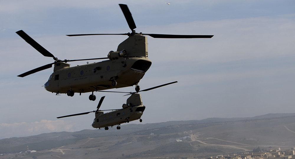 Amerykańskie wojskowe śmigłowce transportowe CH-47 Chinook