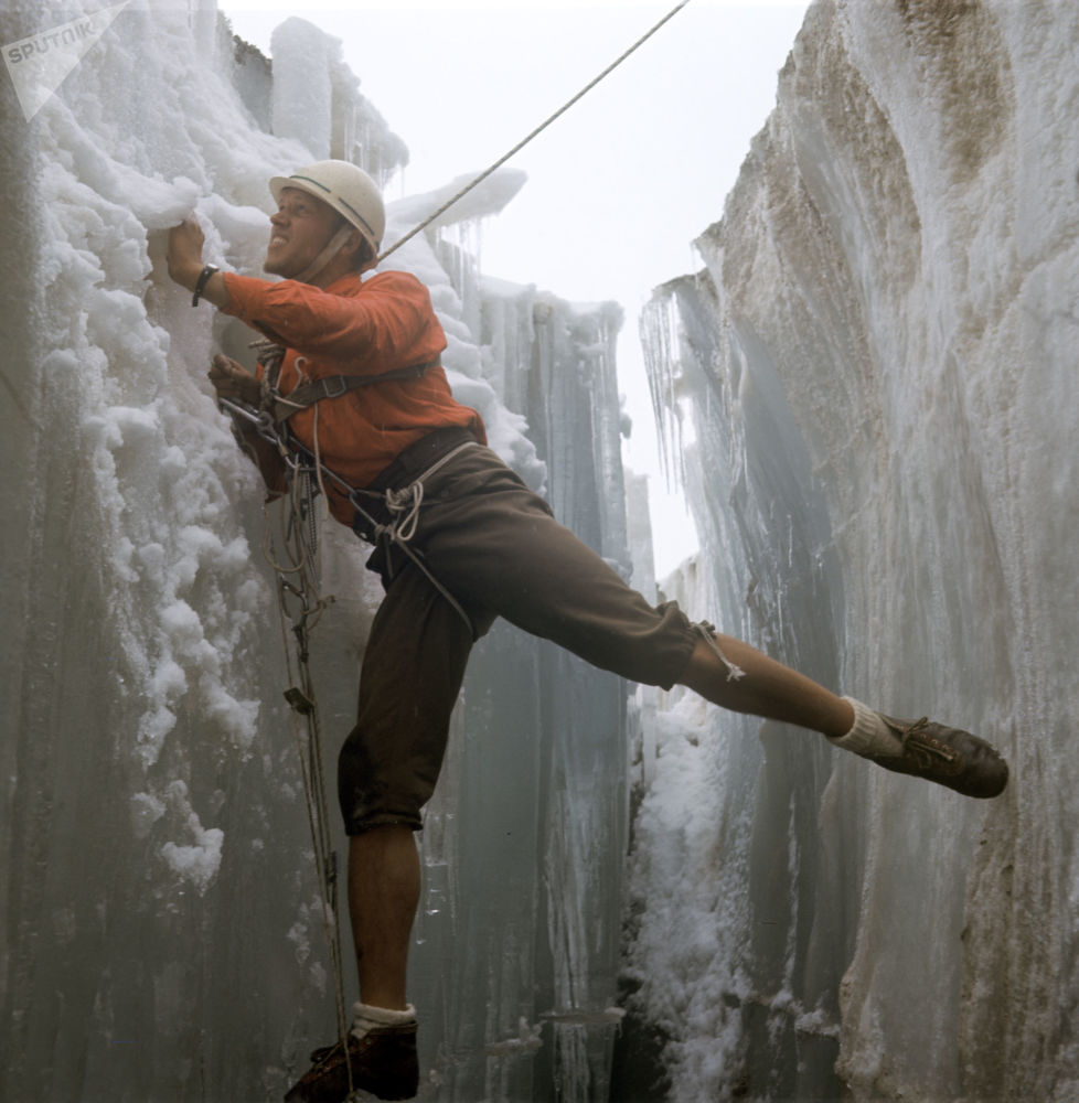 Alpinista z Charkowa Aleksander Martynow w górach Tienszan, 1970 rok