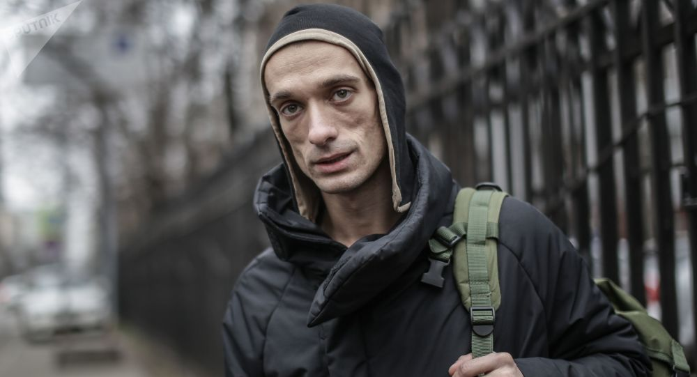 Petersburski artysta-skandalista Piotr Pawlenskij