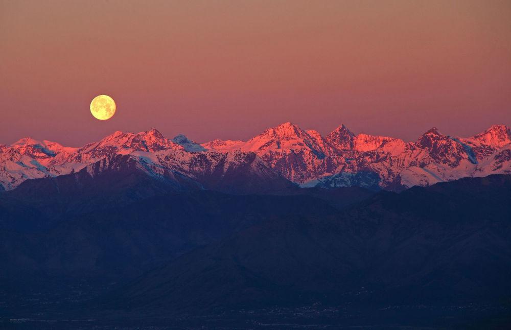Stefano De Rosa Full Moon over the Alps