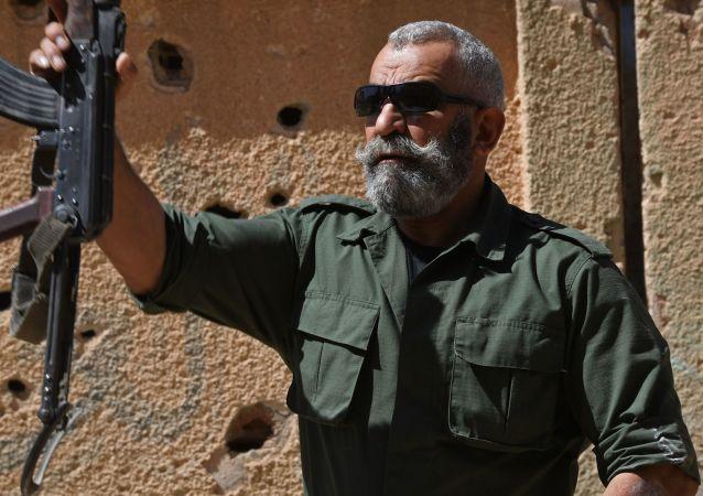 Generał republikańskiej gwardii Issam Zahreddine. Zdjęcie archiwalne