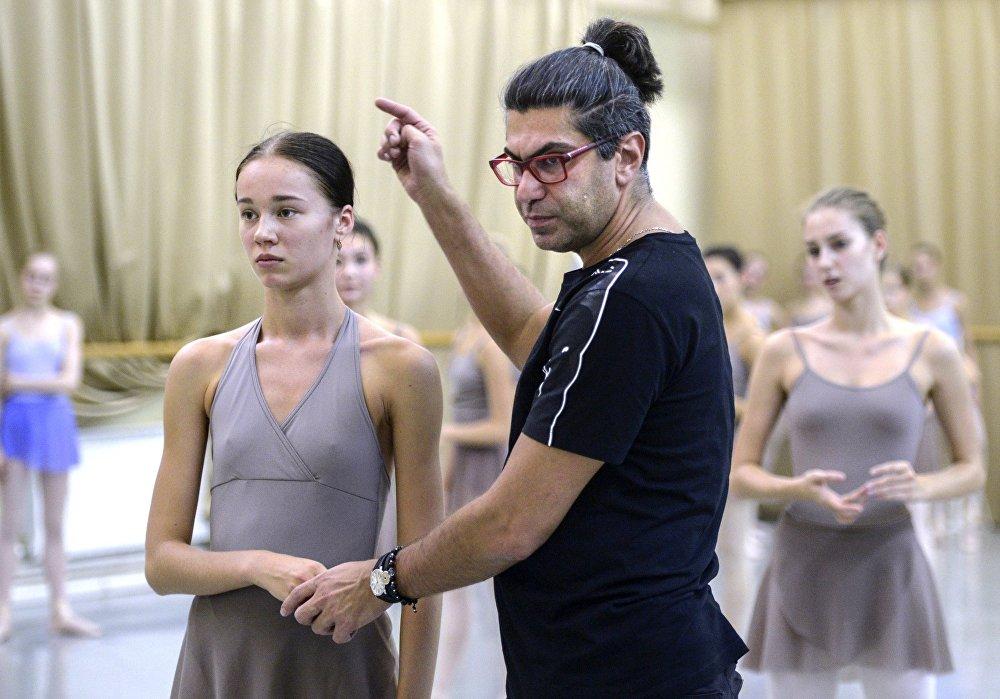 Obecnie rektorem akademii jest artysta narodowy Rosji Nikołaj Ciskaridze.