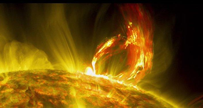 Naukowcy z NASA uwiecznili na filmie ogromny wyrzut plazmy na Słońcu