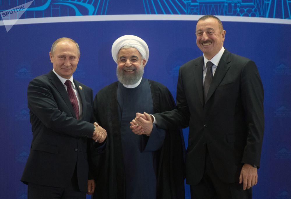 Władimir Putin podczas spotkania trójstronnego w Teheranie