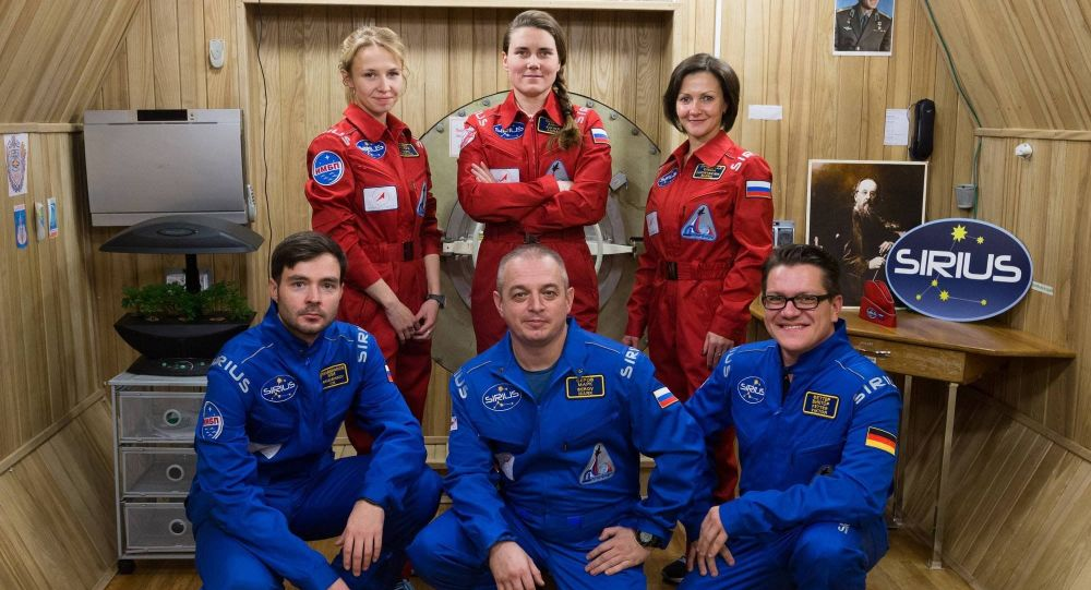 Członkowie załogi SIRIUS-17